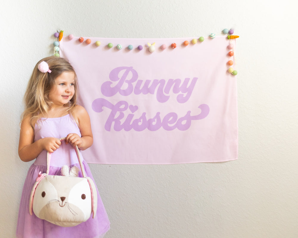 Bunny Kisses Mini-Backdrop