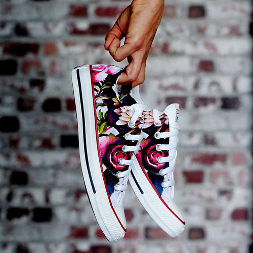 Dark Floral All Star Low Converse