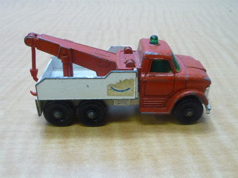 Matchbox Lesney No. 71 Red and White Ford Heavy Wreck Truck 1968