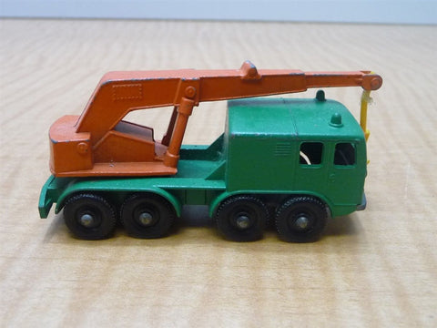 Matchbox Lesney No. 30 Green and Orange 8 Wheel Crane