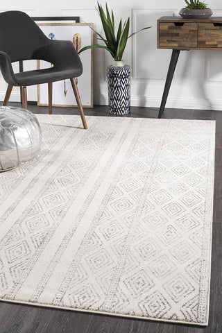Unique Paradise White And Grey Tribal Rug – Lost Design Society IC64