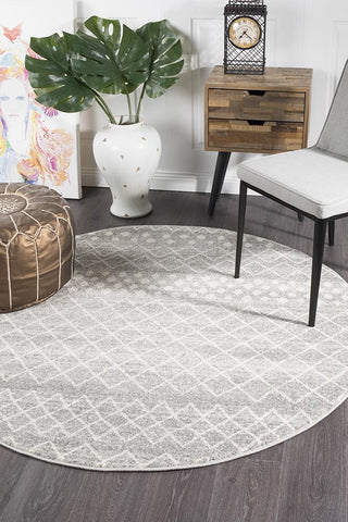 Paradise Silver Tribal Round Transitional Rug