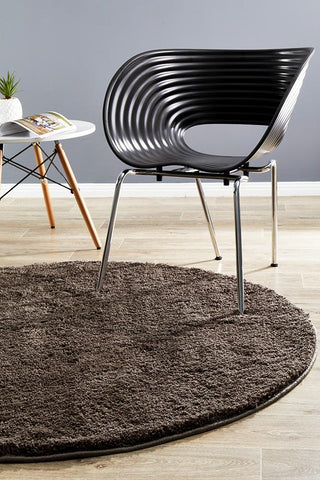 Strand Round Shag Rug Dark Brown