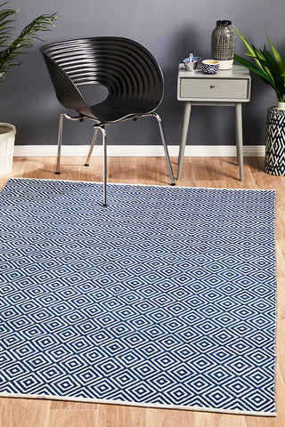 Villa Modern Diamond Rug Navy
