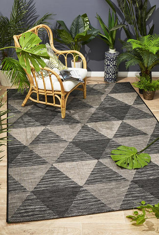 Promenade Indoor/Outdoor Geo Black Rug