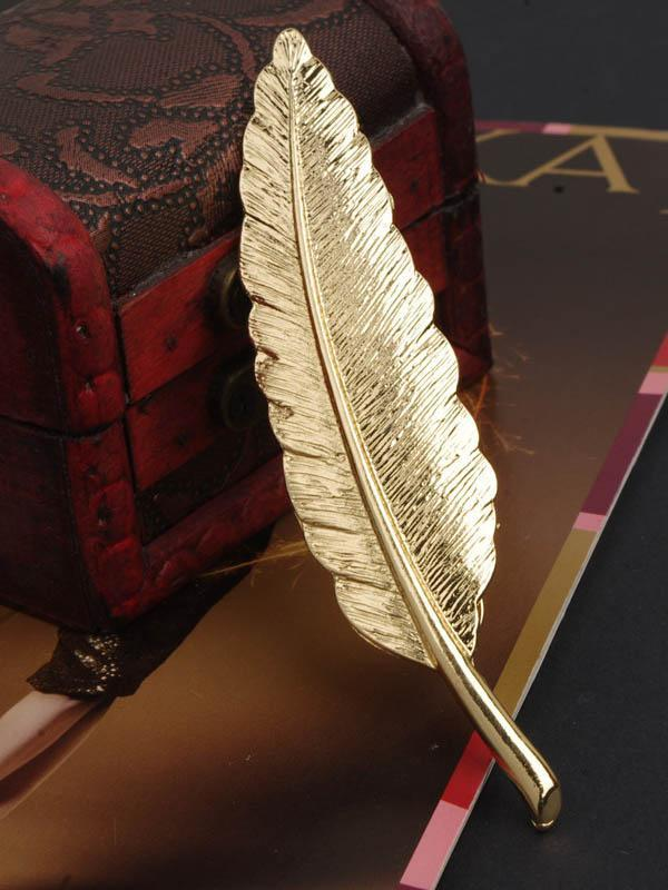 Retro Golden Feather Leaf Brooch Accessories