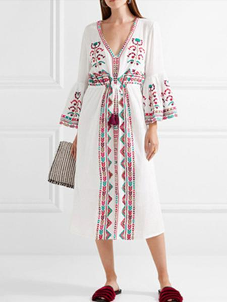 Bohemia Embroidery V-Neck Flared Sleeves Midi Dress