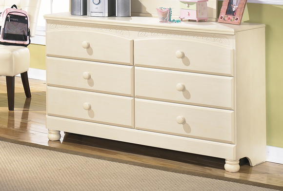 Cottage Retreat Dresser
