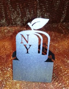 New York apple and cabs standing place cards set of six.