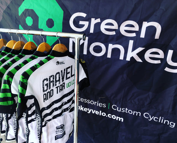 GRAVEL & TAR EVENT WOMENS JERSEY - Green Monkey Velo