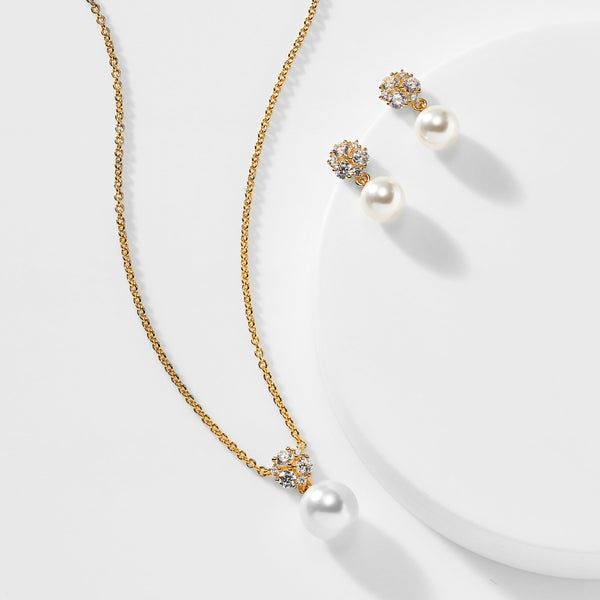 CAMILA PEARL NECKLACE AND EARRING SET