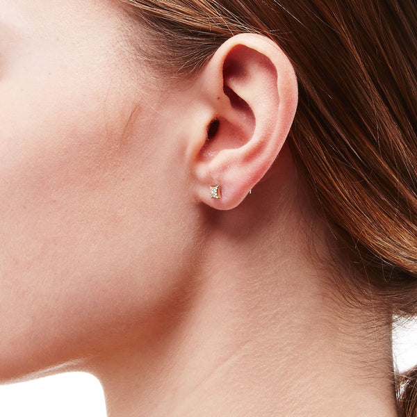 AURORA - DIAMOND PAVE STAR SINGLE STUD EARRING