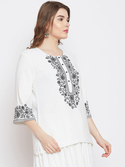 LYLA WOMAN EMBROIDERED SHORT KURTA