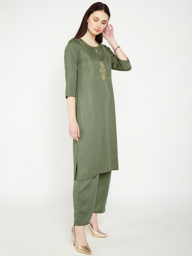 LYLA Woman YOKE EMBROIDERED STRAIGHT KURTA