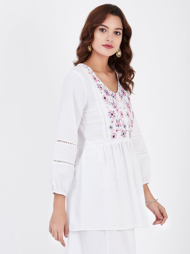 LYLA WOMAN KHADI TOP WITH EMBROIDERY AND LACE DETAILING