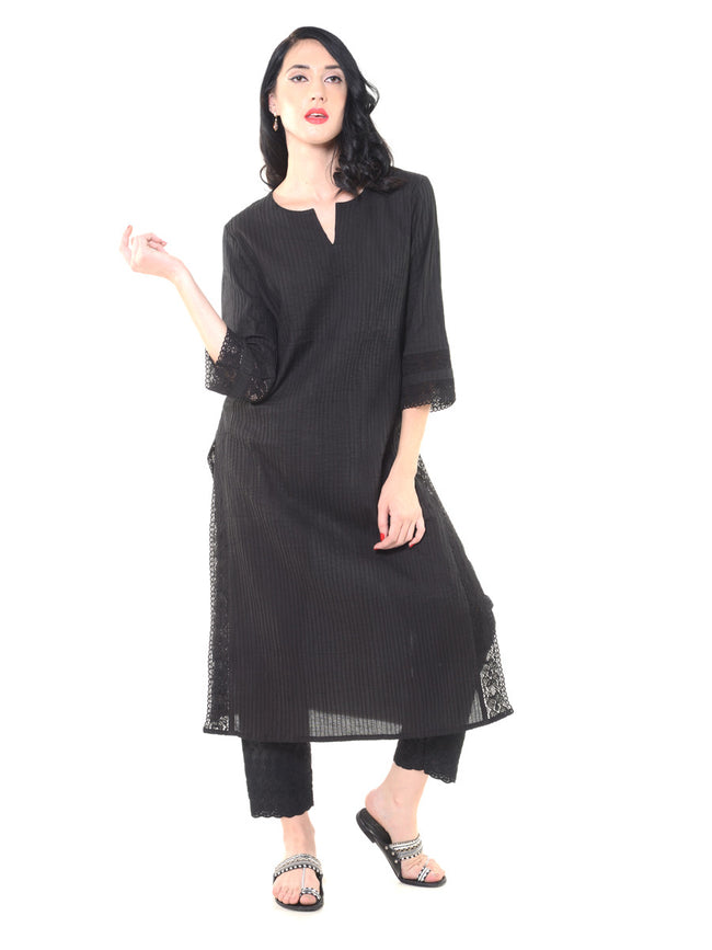 Pintucks Long Kurta With Lace