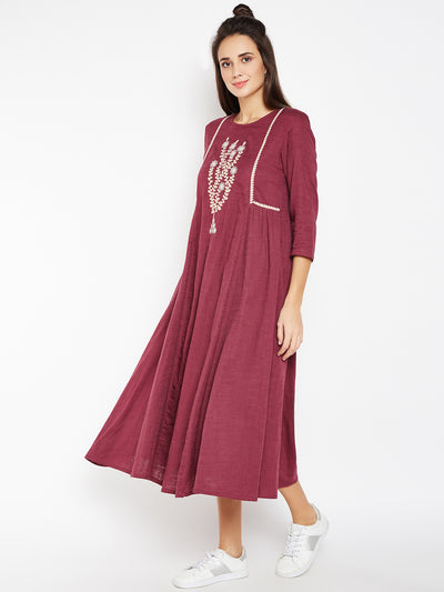 Lyla Women Kurta with Chest Embroidery