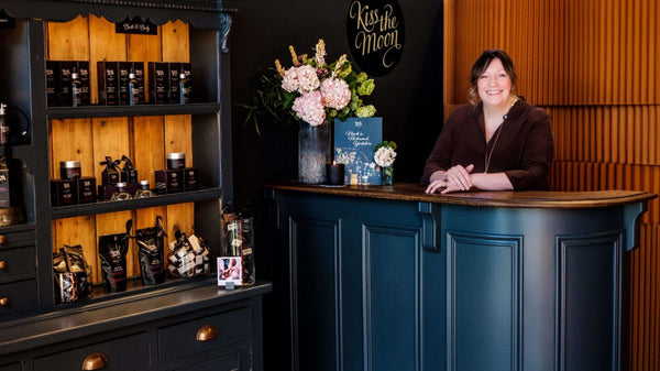 JO AT THE COUNTER IN KISS THE MOON ASKE