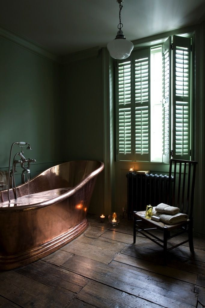 Beautiful bathroom spotted on pointers from westcountryshutters.co.uk]