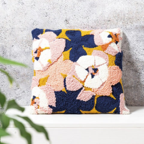 yarnplaza flower cushion