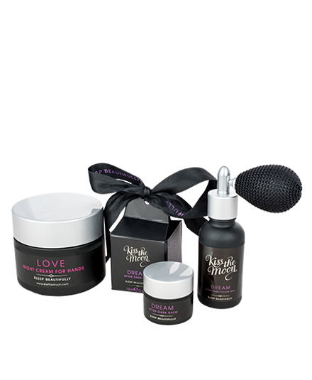 <strong>LOVE & DREAM</strong> <br/> BEAUTIFUL SLEEP GIFT SET<br/> Gift Box