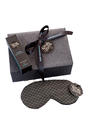 <strong>CALM</strong> <br/> BEAUTY QUEEN GIFT SET <br/> Face Oil & Row Pinto Sleep Mask