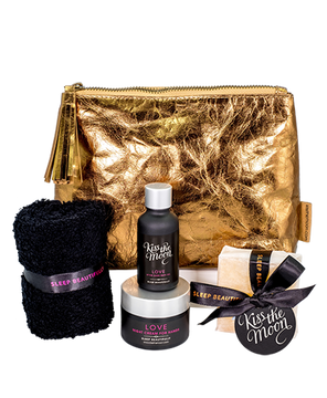 GIFT SET SLEEP SUPERSTARS Hand cream, bath oil, soap & wash cloth Our top award winners