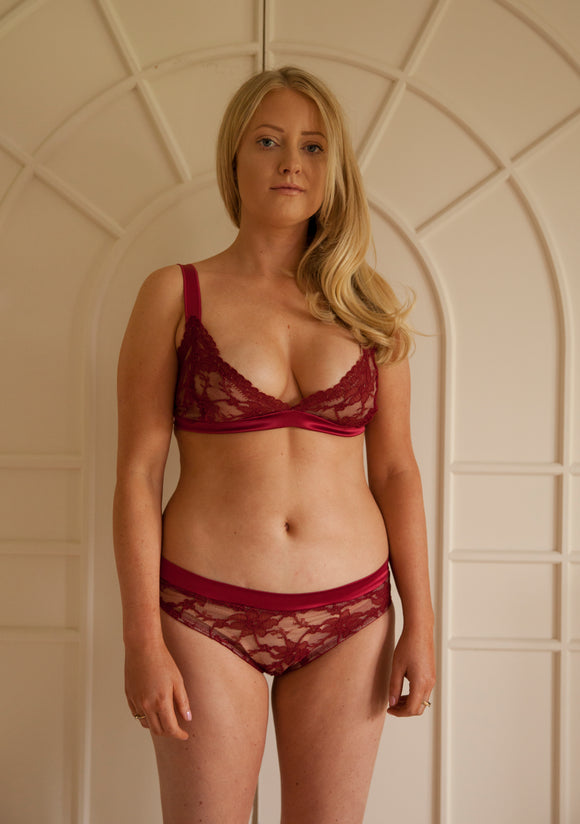 Sample Sale - Ruby Triangle Bra Size Small