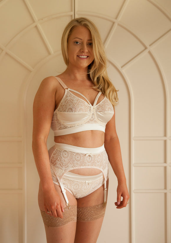Venus Suspender Belt Ivory - Small