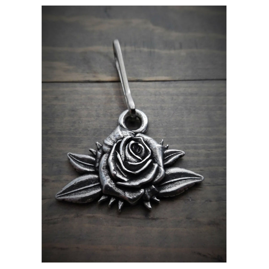 Daniel Smart Rose Zipper Pull