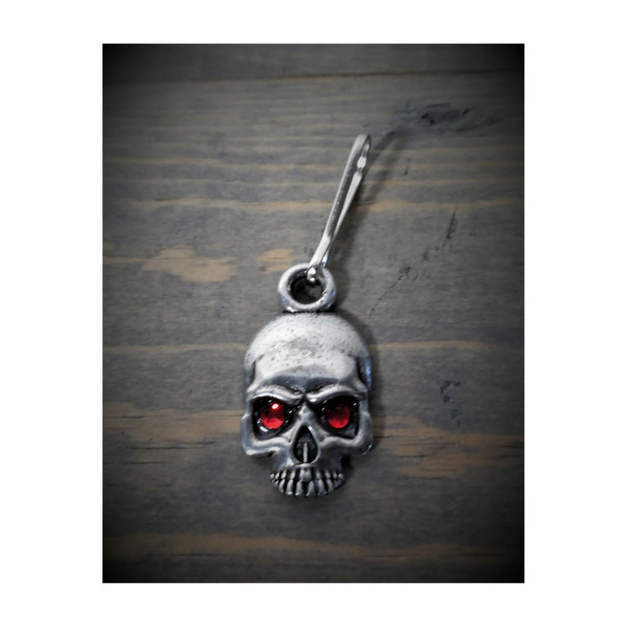 Daniel Smart Skull Diamond Zipper Pull