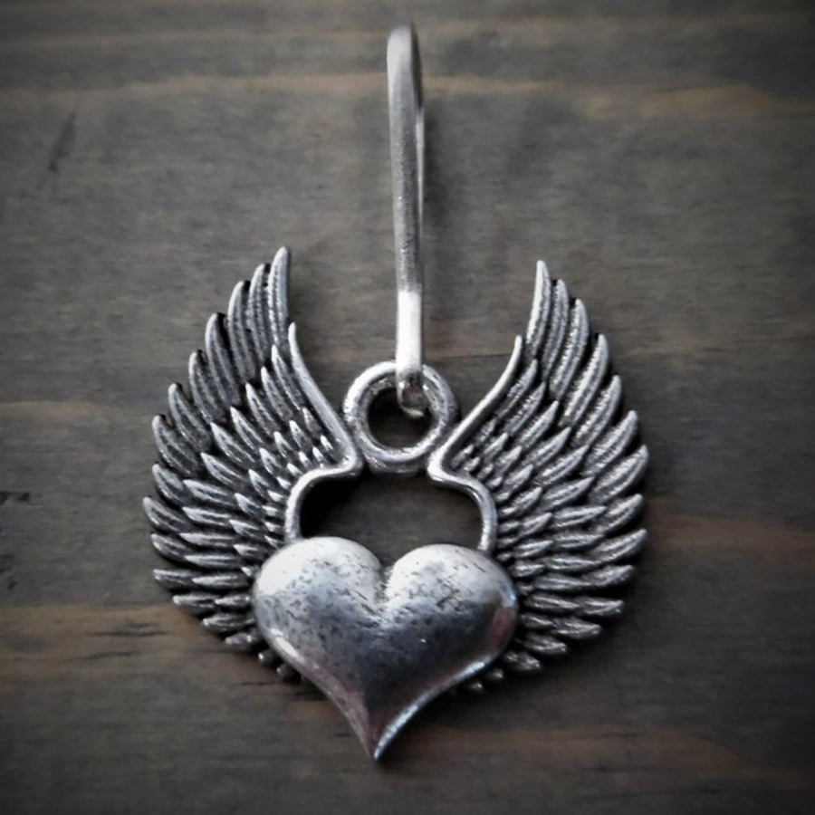 Daniel Smart Heart Wing Zipper Pull