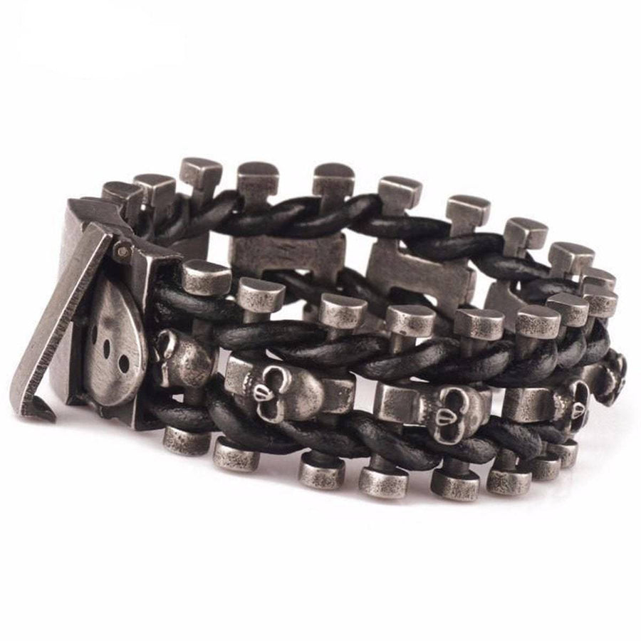 SKELETON CHAIN BUCKLE BRACELET