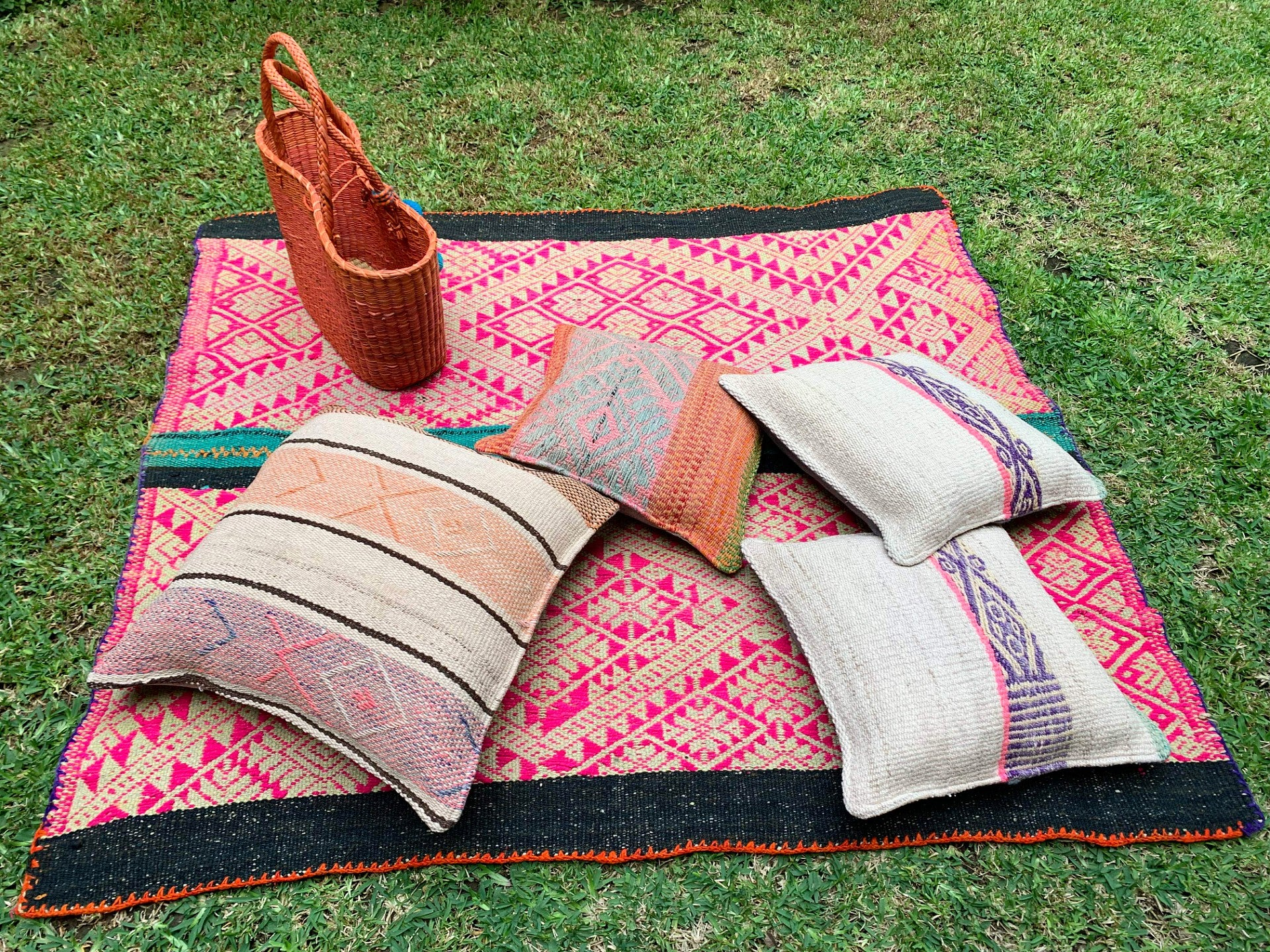 Large Frazada Pillow Covers in Rayas