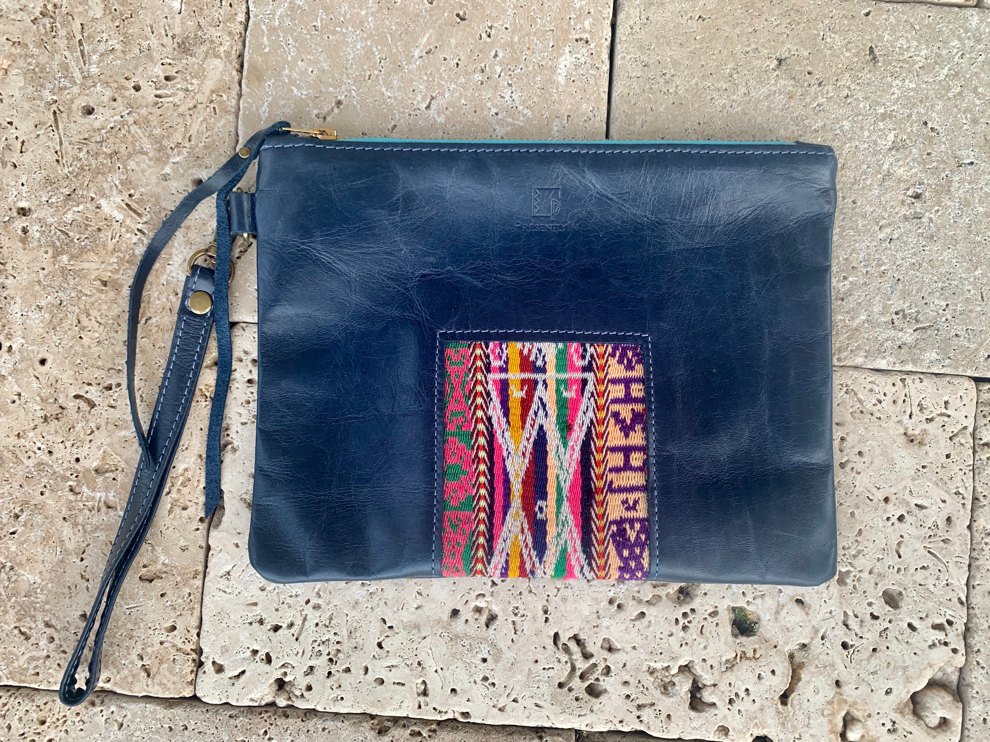 Ventana Wristlet in Navy Leather (MORE TEXTILES)