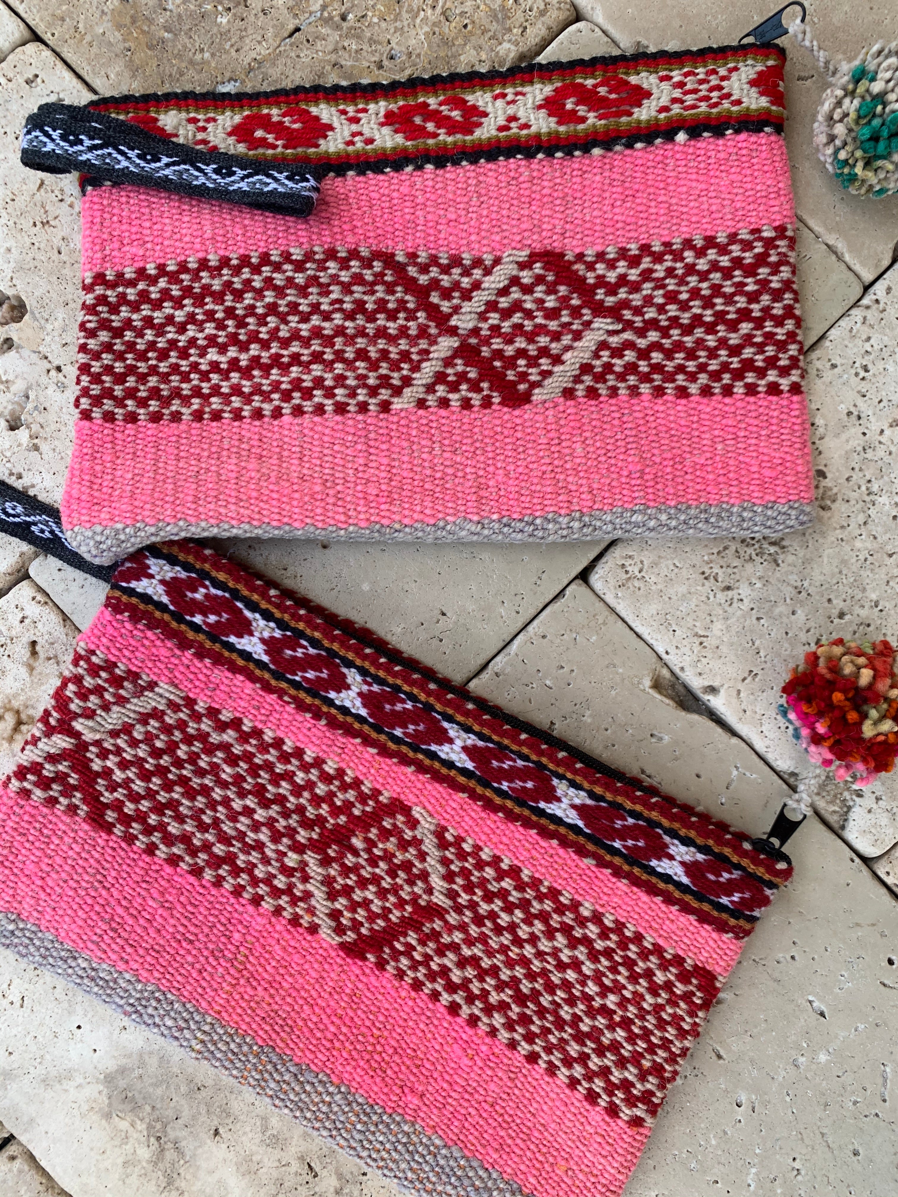 Frazada Pom Wristlet (MORE COLORS)