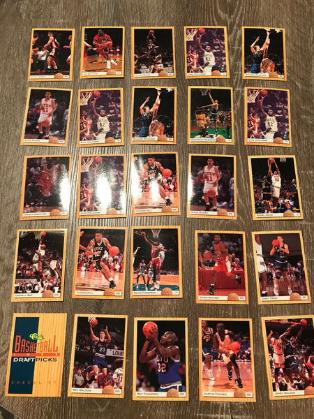 1993-94 Classic Draft Picks Basketball Lot of 25 Cards #8