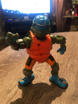 Leonardo Teenage Mutant Ninja Turtles Extreme Sports Figure (2003)