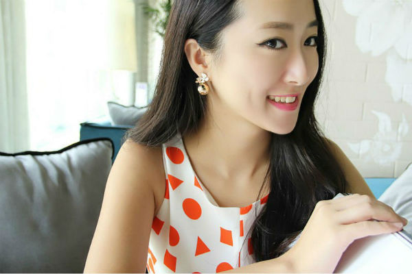 Korea Nuance Floral Round Balls Unbalance Earrings