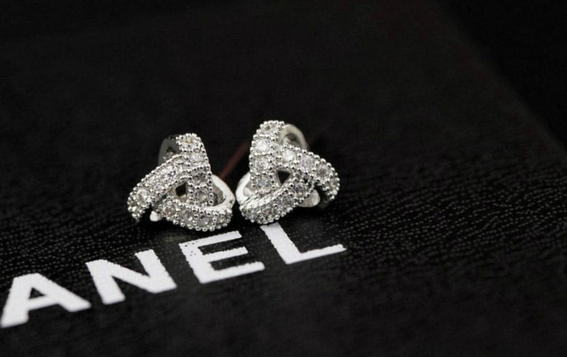 Quality Korea Silver Twist Hole Earrings