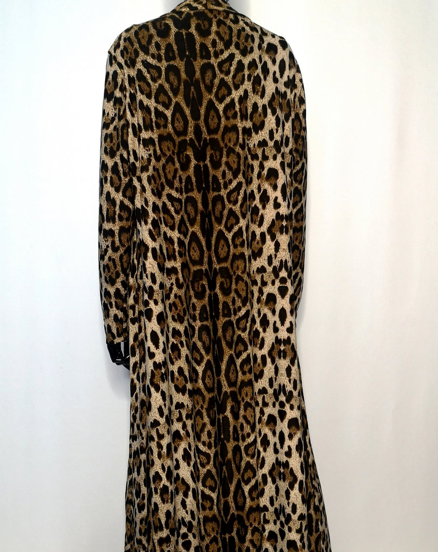 back of brown leopard print wild cardigan, dark focus stripe is off the left shoulder and runs down to the floor