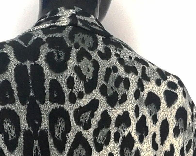 Close up of grey leopard cardigan back shoulder pattern