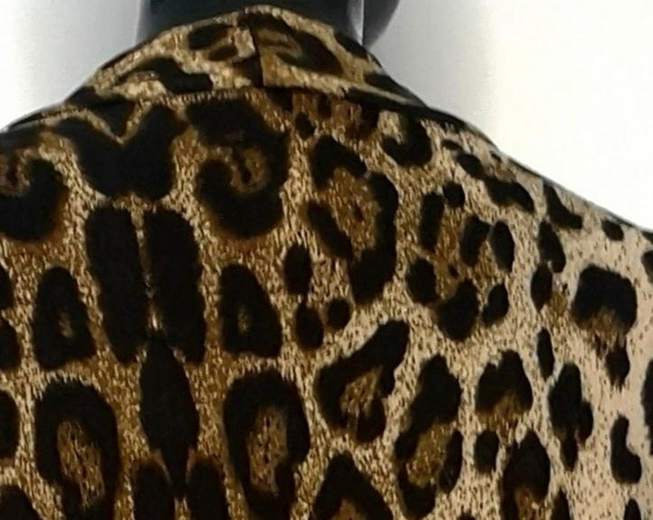 closeup of leopard pattern back shoulders