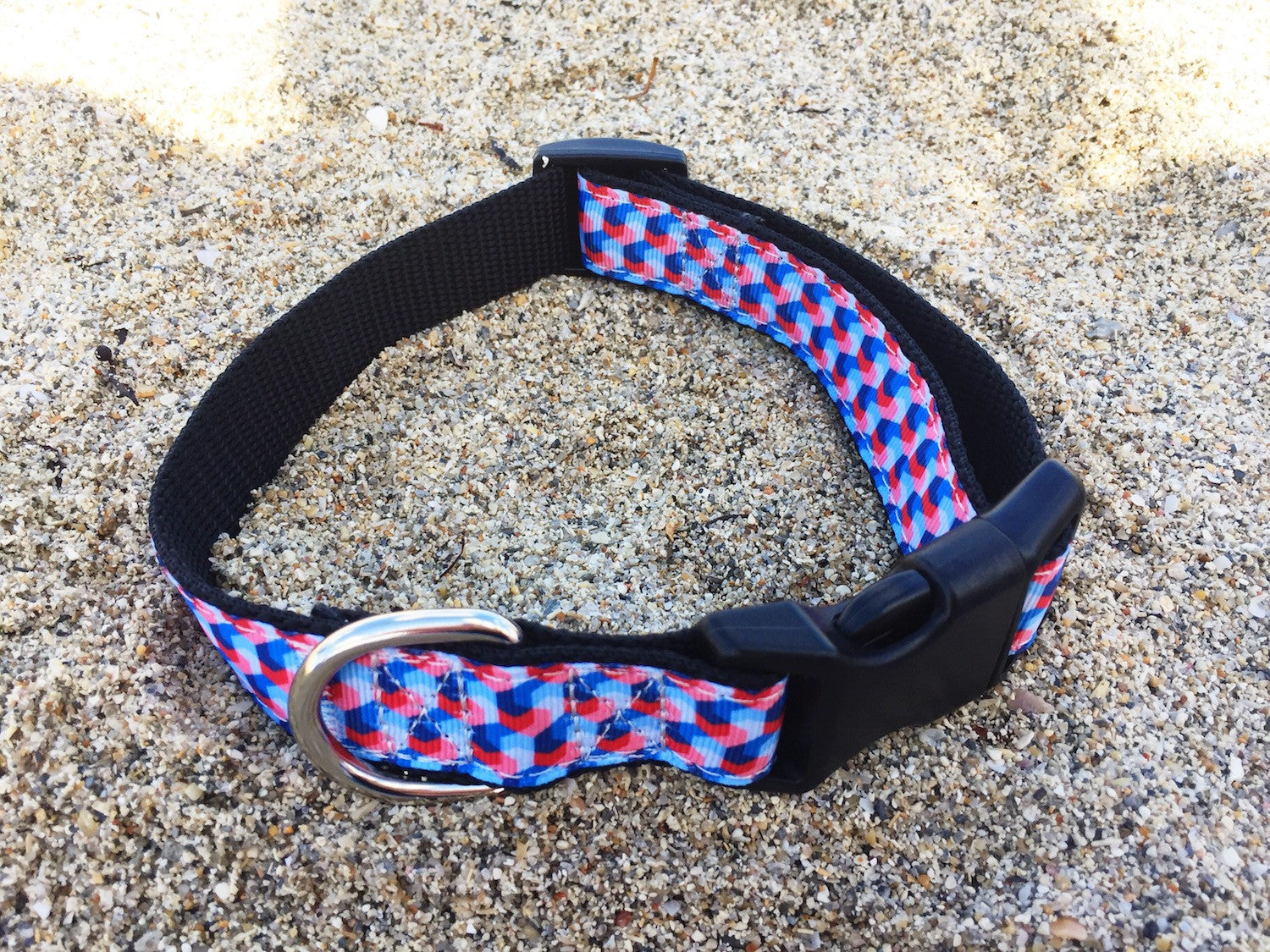 Collars4Change Red and Blue Geometric Dog Collar