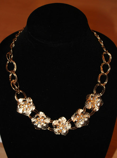 Women's Gold Sparkle Flower Necklace
