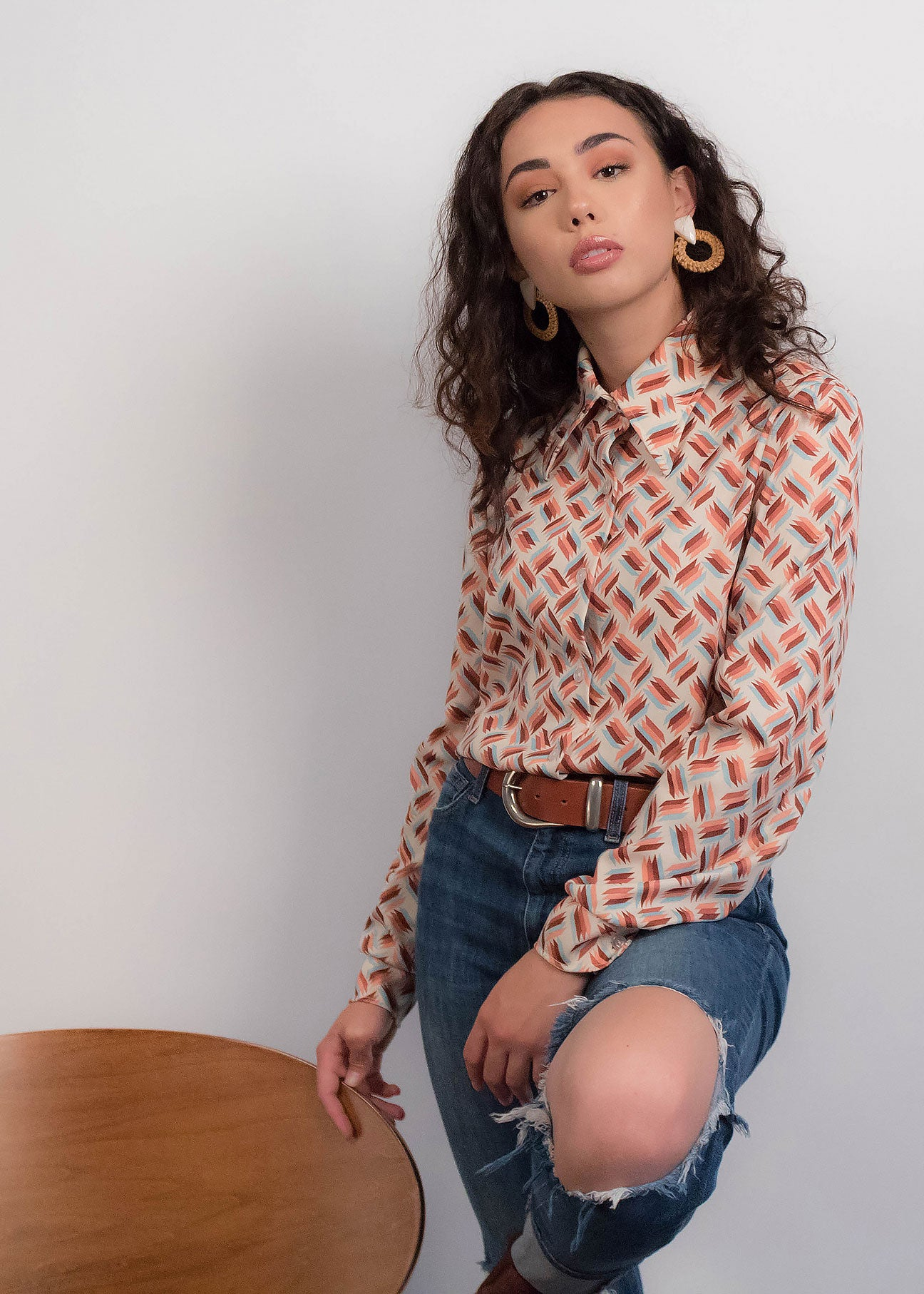 70s Abstract Pointy Collar Blouse