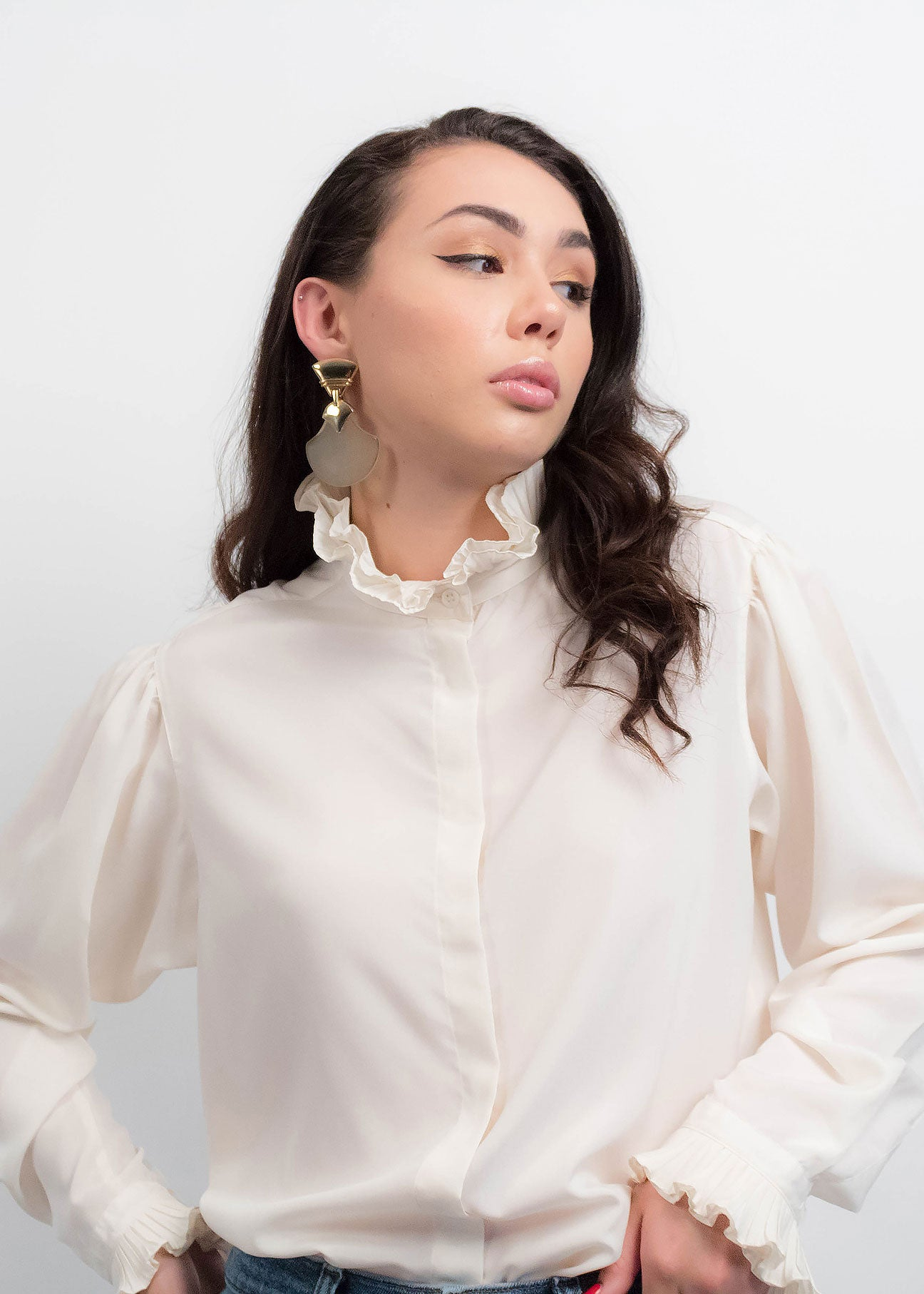 80s White Ruffled Collar Blouse