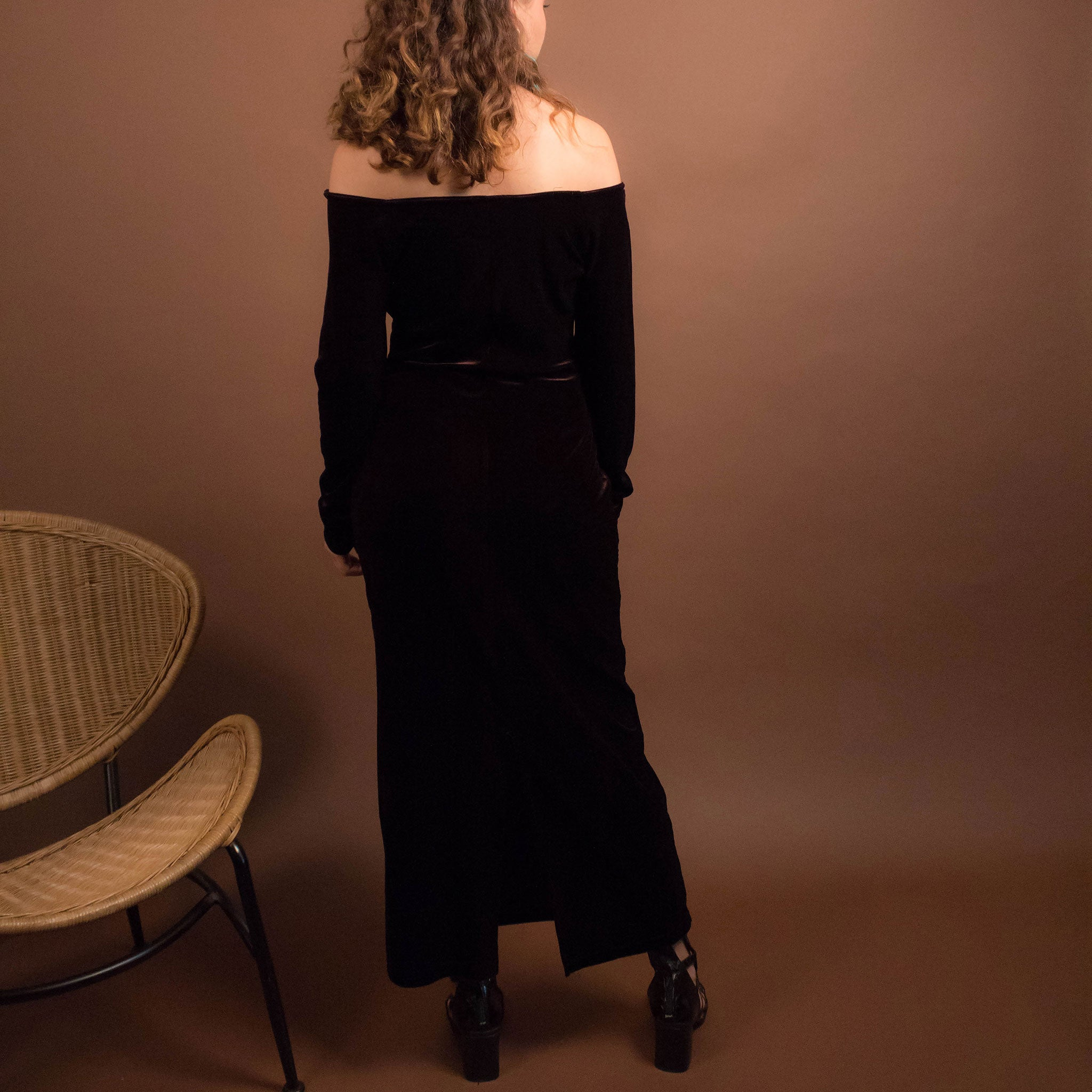 90s Off-Shoulder Velvet Dress