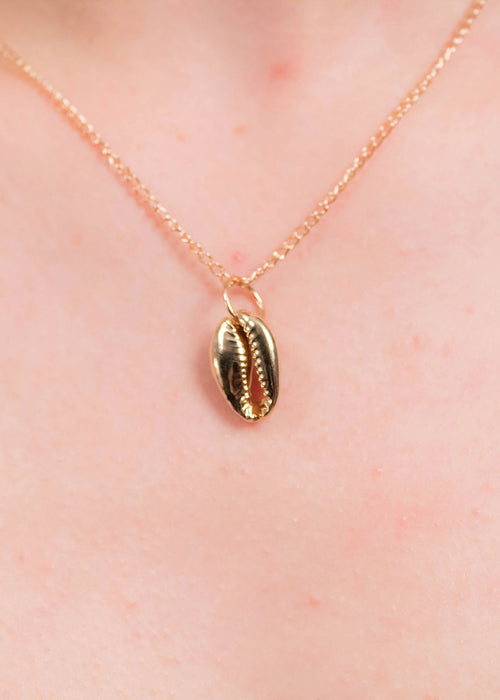 Layering Cowrie Pendant Necklace