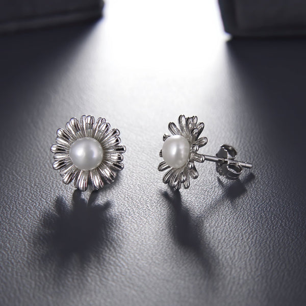 Freshwater Pearl Sunflower Stud Earrings in 925 Sterling Silver Fashion-Cat SEA17390380S.1